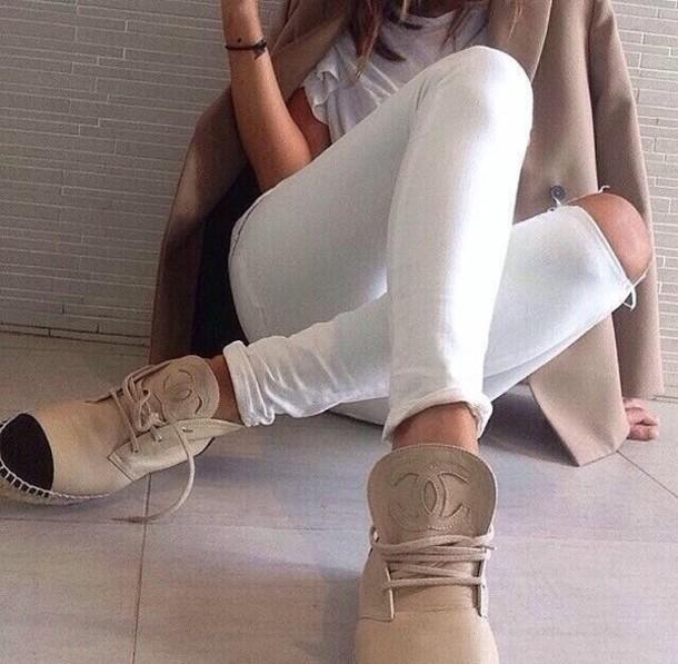 xt58gc-l-610x610-shoes-chanel-chanel+boots-chanel+espadrilles-chanel+sneakers-chanel+shoes-chanel+paris-beige