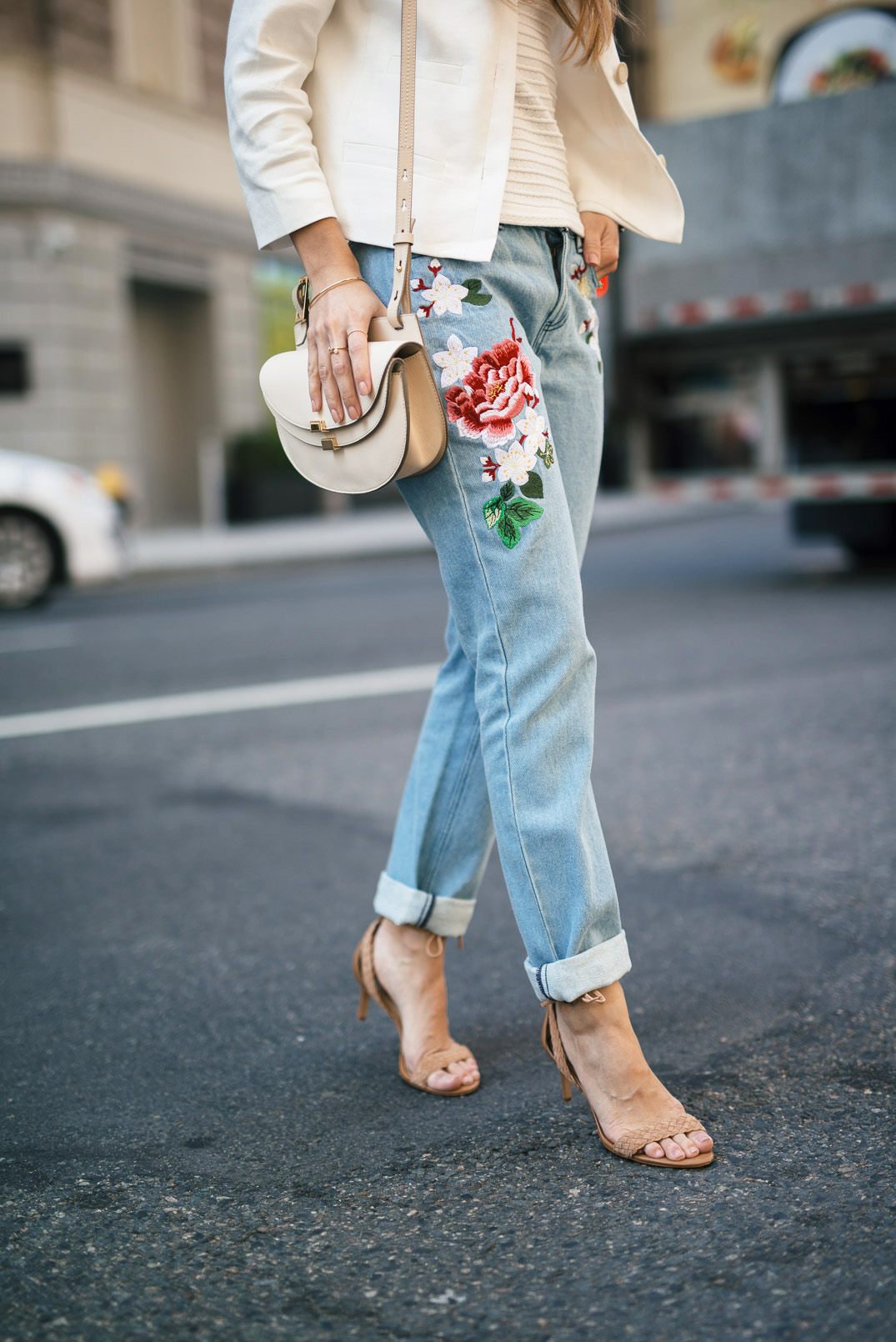 embroidered-jeans-the-girl-from-panama-ribbed-sleeveless-sweater-ann-taylor-linen-jacket-braided-strappy-sandals-chloe-georgia-bag-16-copy